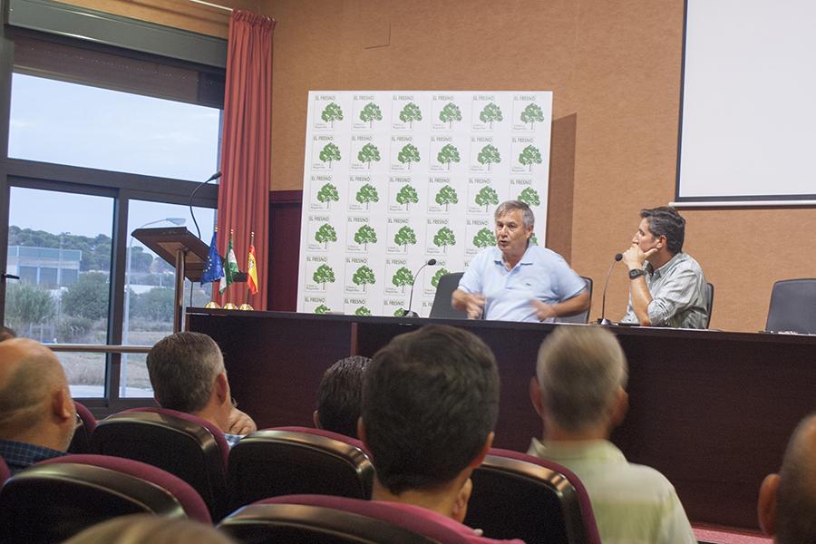 La Plataforma acusa a la Junta de Andalucía de pretender eliminar tierras agrícolas históricas