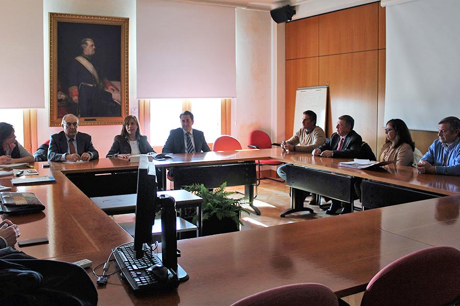 La Plataforma recibe el compromiso del Ministerio de Agricultura de aprobar las concesiones de agua
